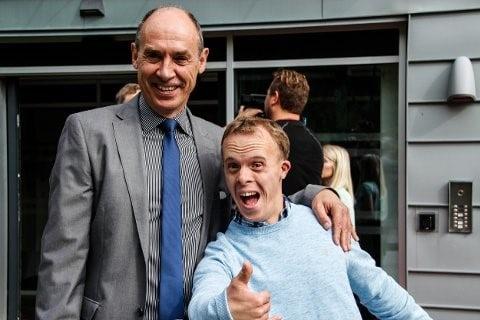 Bilde av daglig leder Sven Erik Tønnesen og sønnen Erik.